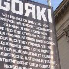 Anti-Rassismus-Signal vor dem Gorki-Theater: Die falscheste der denkbaren falschen Möglichkeiten