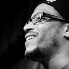 Nach rassistischem Übergriff in Polen: Berliner Sänger und LGBTI*-Aktivist Shon Abram braucht unsere Hilfe